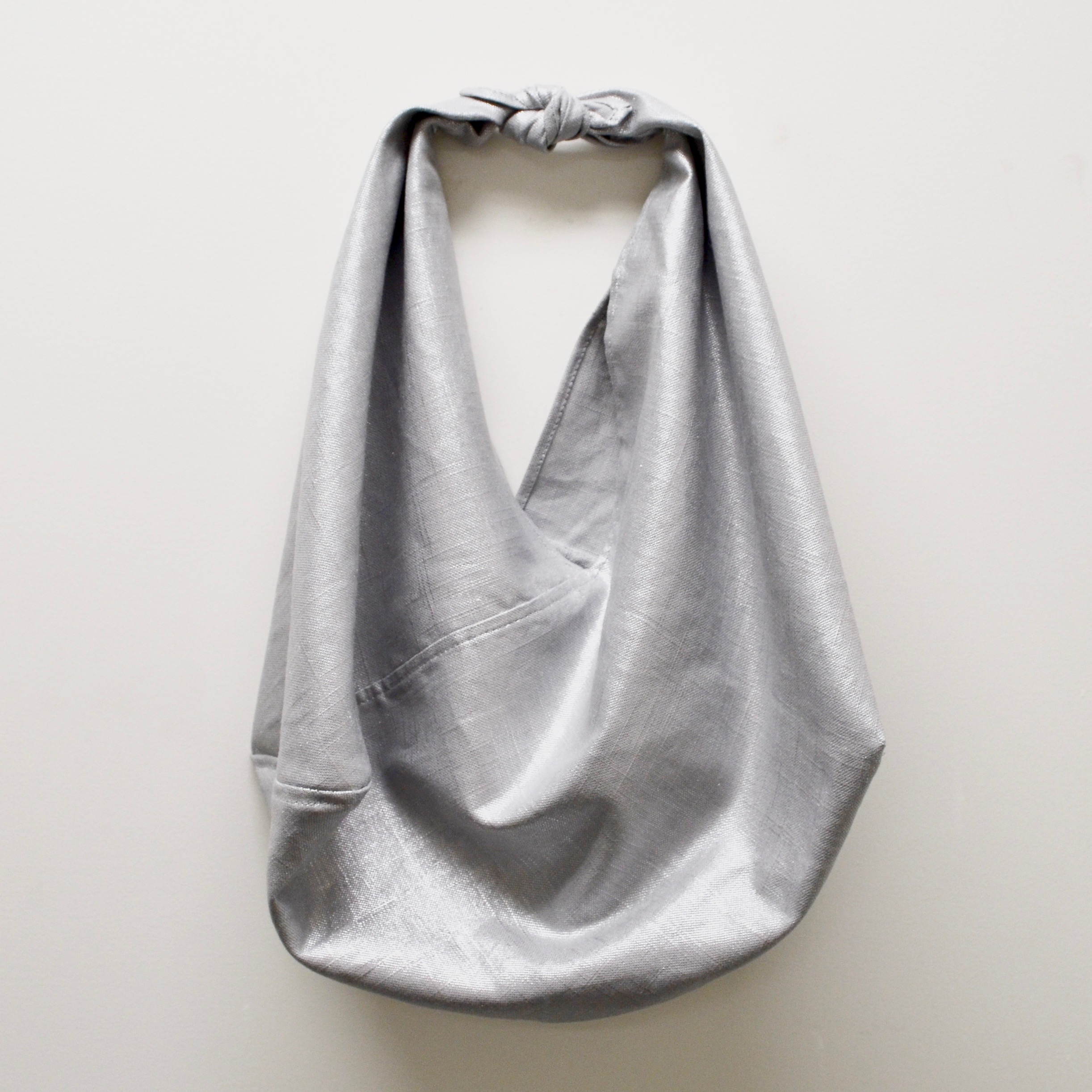 - MEDIUM LINEN BAG IN UNICORN SILVER