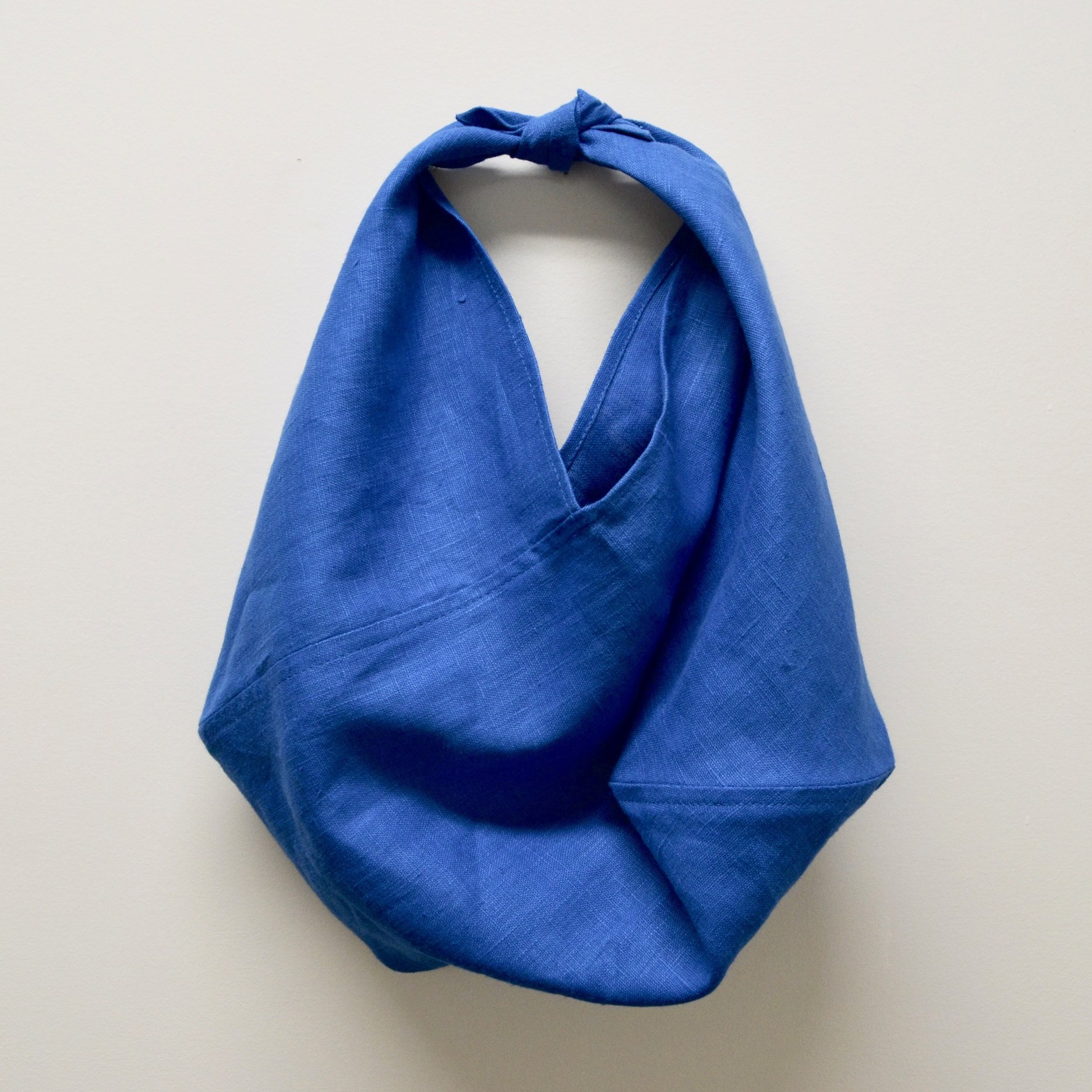 - SMALL LINEN BAG IN CORNFLOWER