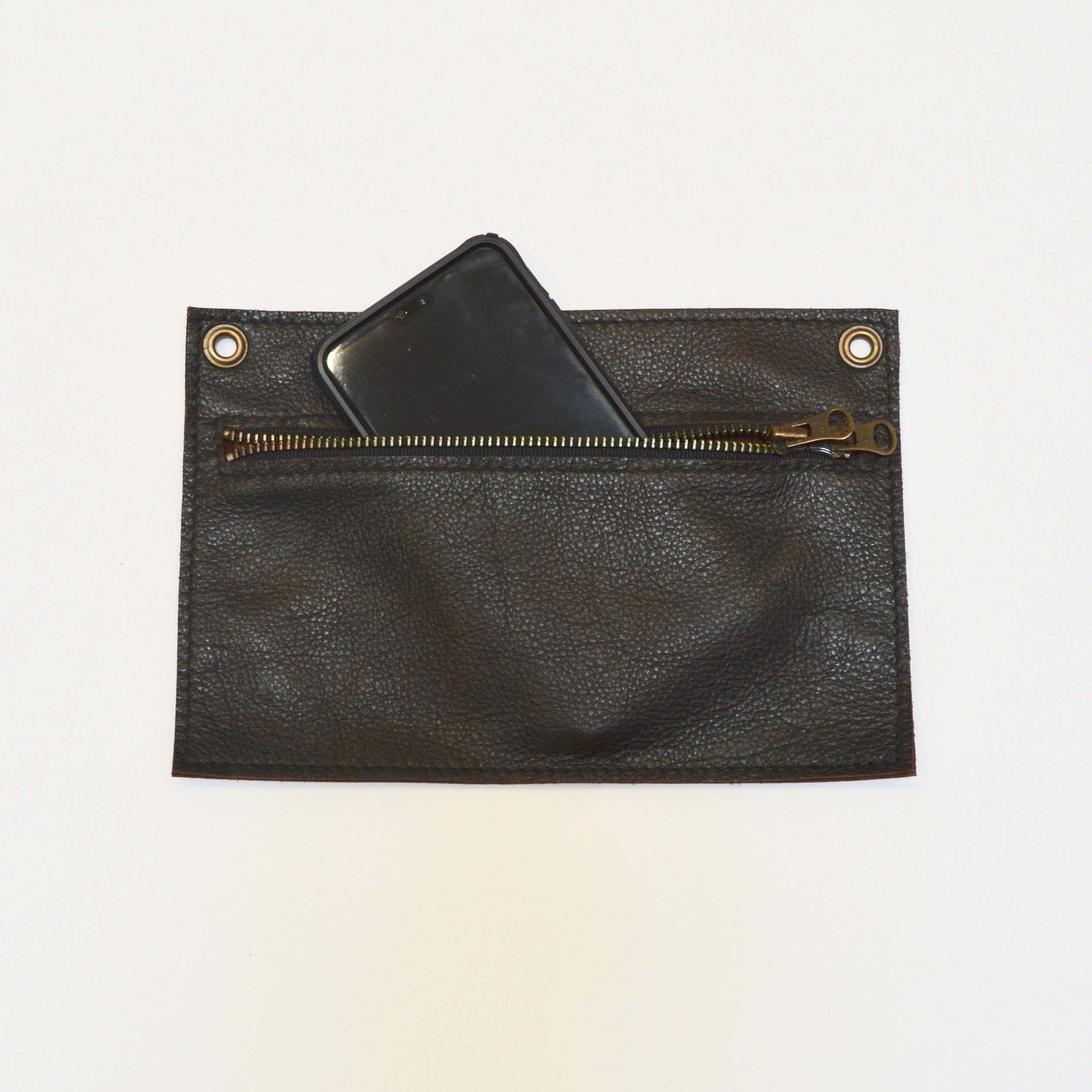 - LARGE SINGLE POCKET POUCH