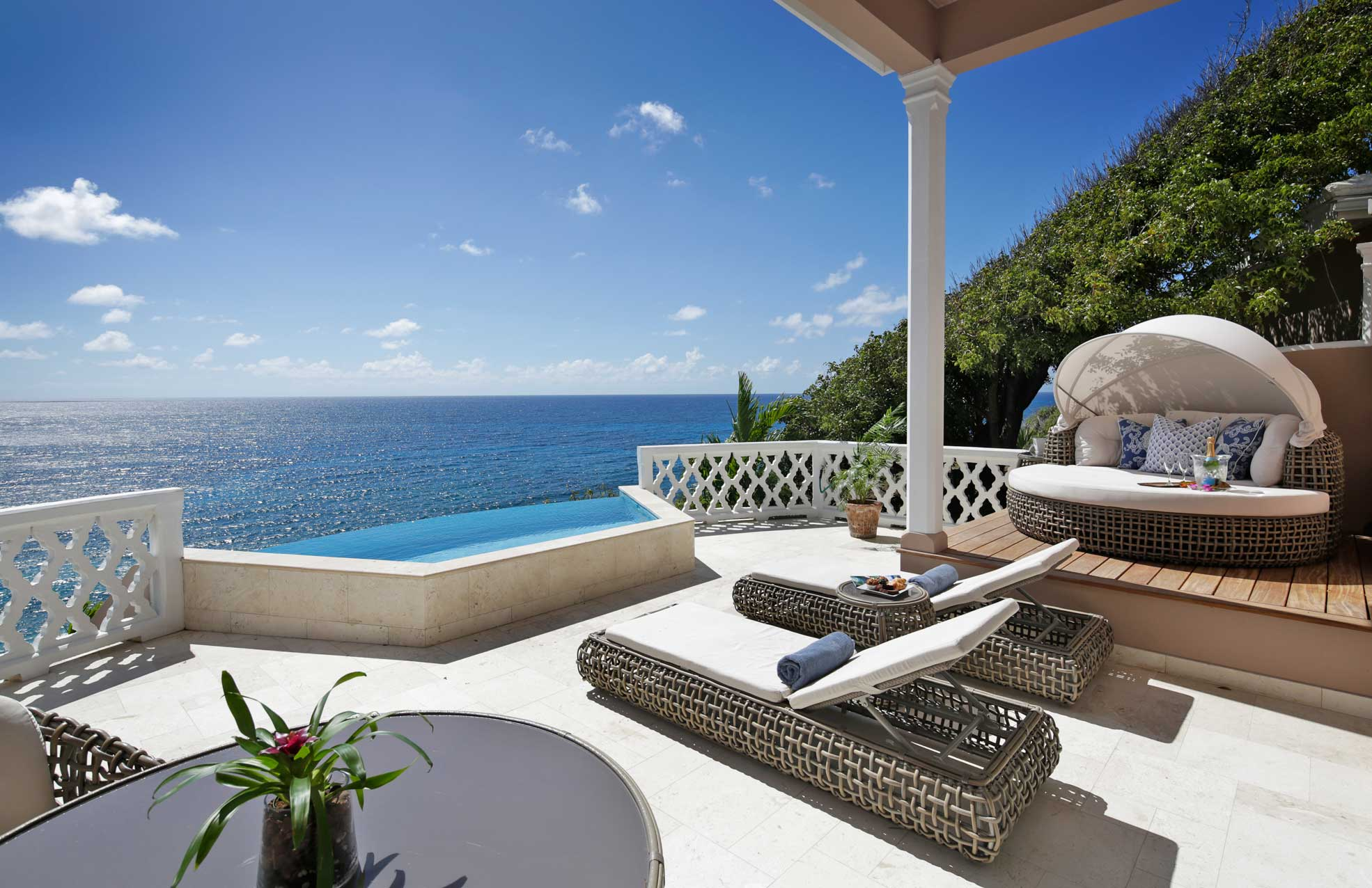 Curtain-bluff-honey-moon-suite.jpg