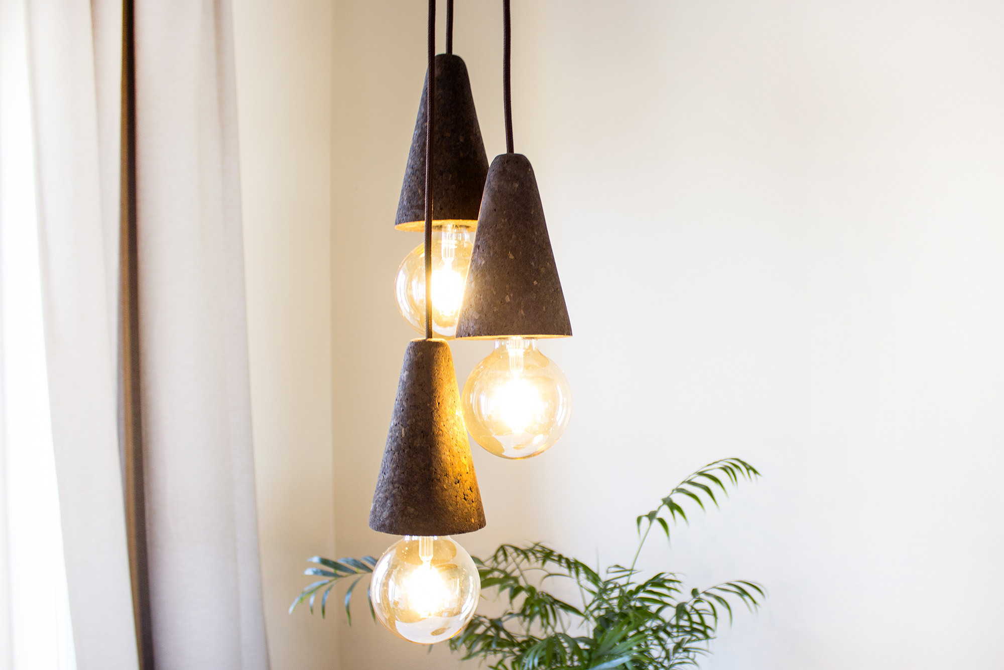low-Galula-Sino-lamp-dark-cork-triple-amb.jpg