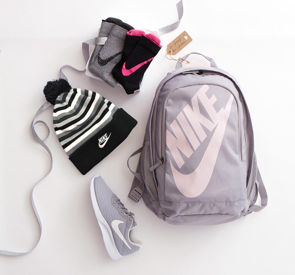 RR_Nike_Gift-Guide_700255_0546-edited1.jpg