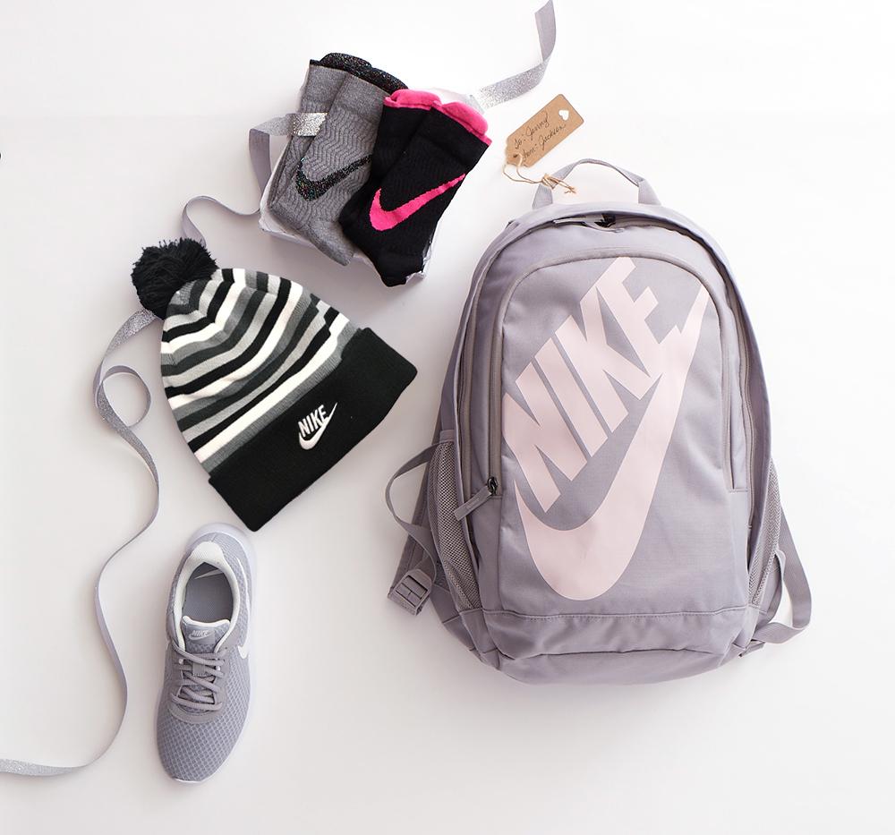 RR_Nike_Gift-Guide_700255_0546-edited2.jpg