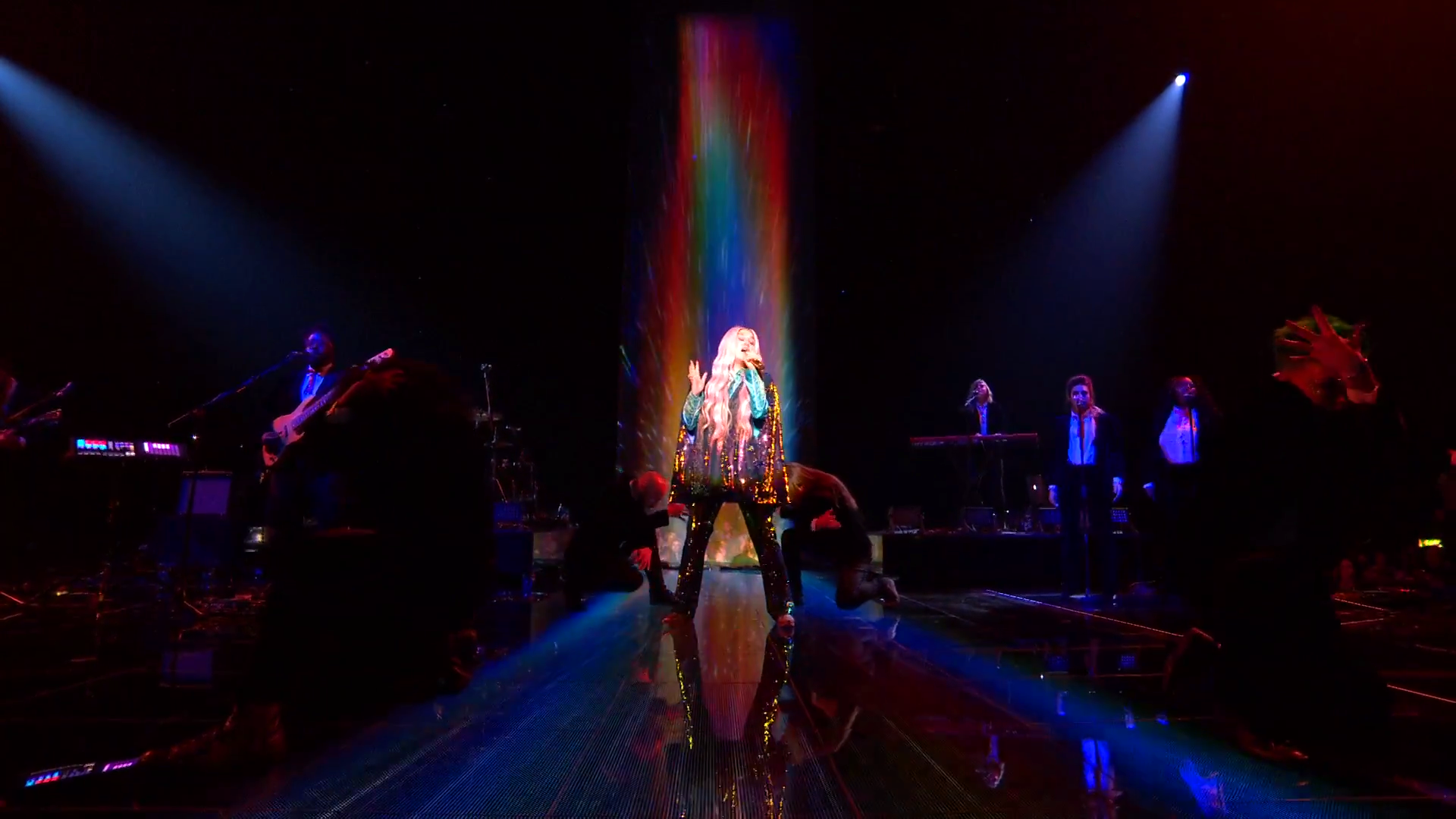 Kesha Performs 'Learn To Let Go'   MTV EMAs 2017   Live Performance - YouTube.00_00_27_11.Still001.png