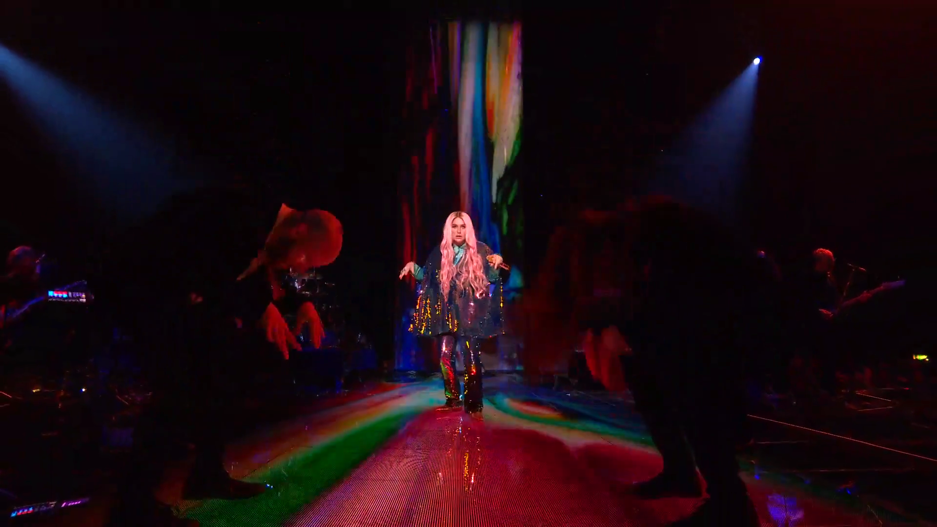 Kesha Performs 'Learn To Let Go'   MTV EMAs 2017   Live Performance - YouTube.00_01_23_05.Still007.png