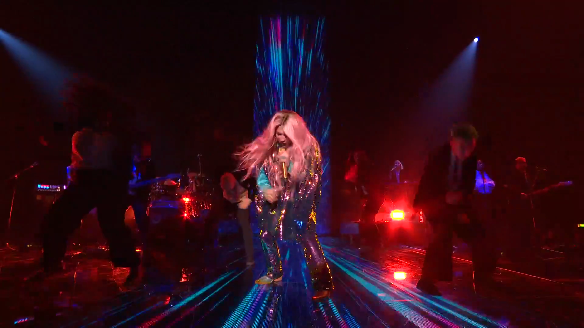 Kesha Performs 'Learn To Let Go'   MTV EMAs 2017   Live Performance - YouTube.00_01_49_07.Still008.png