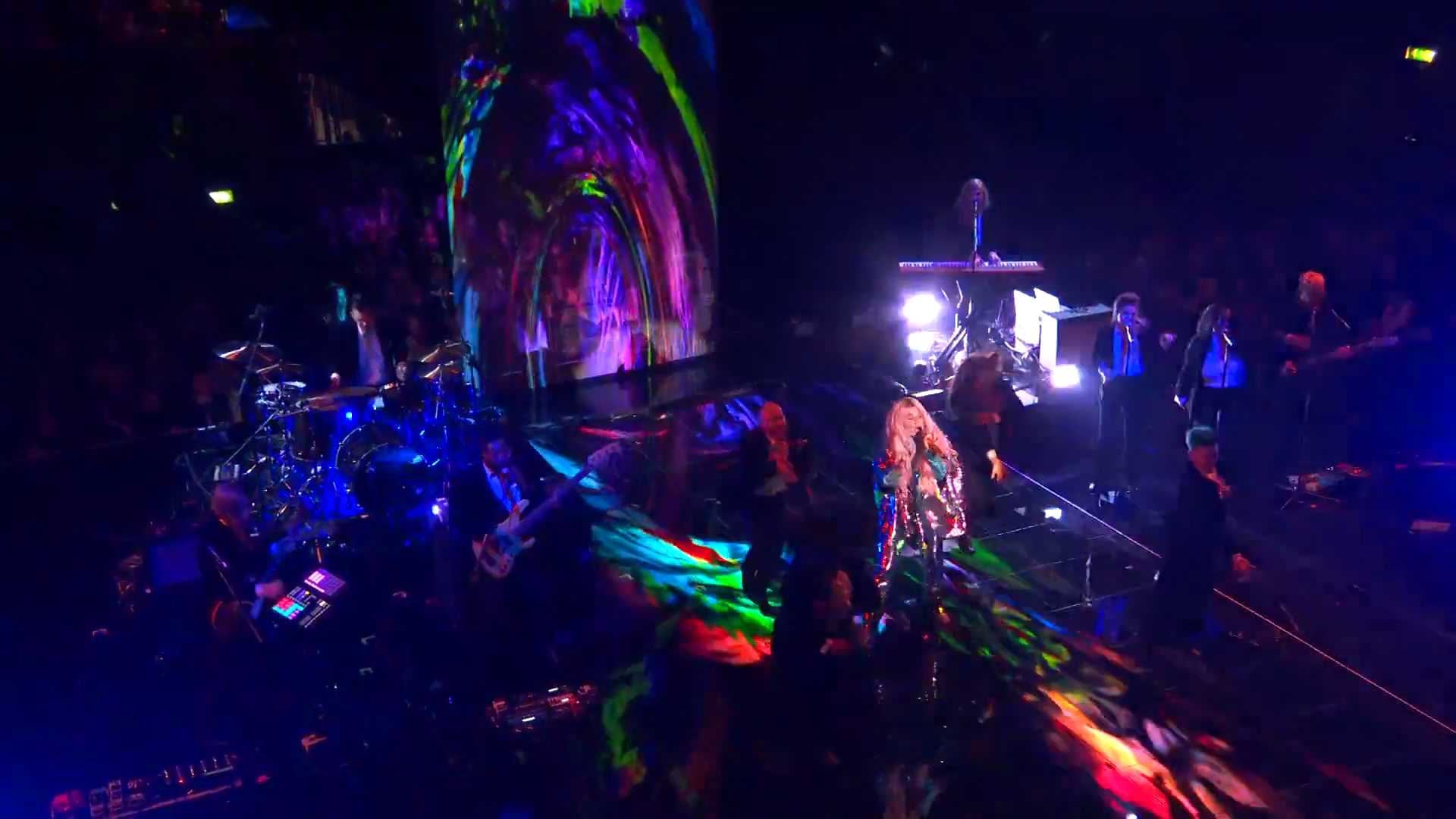 Kesha Performs 'Learn To Let Go'   MTV EMAs 2017   Live Performance - YouTube.00_02_02_05.Still010.png