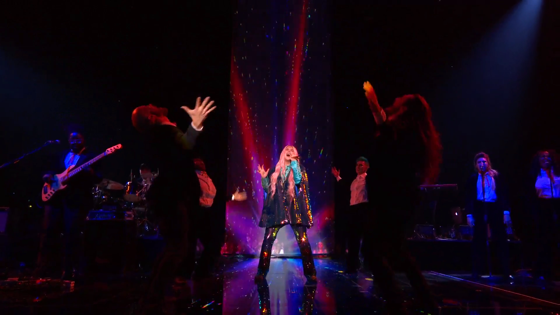 Kesha Performs 'Learn To Let Go'   MTV EMAs 2017   Live Performance - YouTube.00_02_45_23.Still014.png
