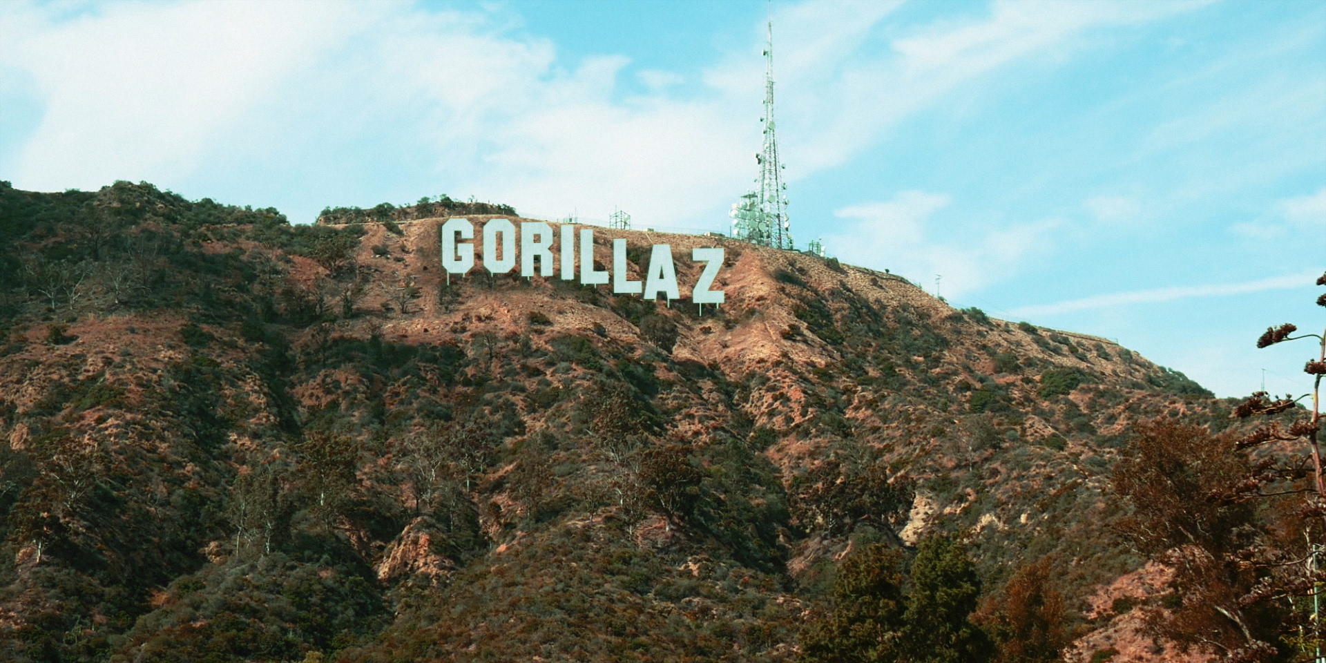 Gorillaz_HollyWood_Delivery (0-04-47-11).jpg