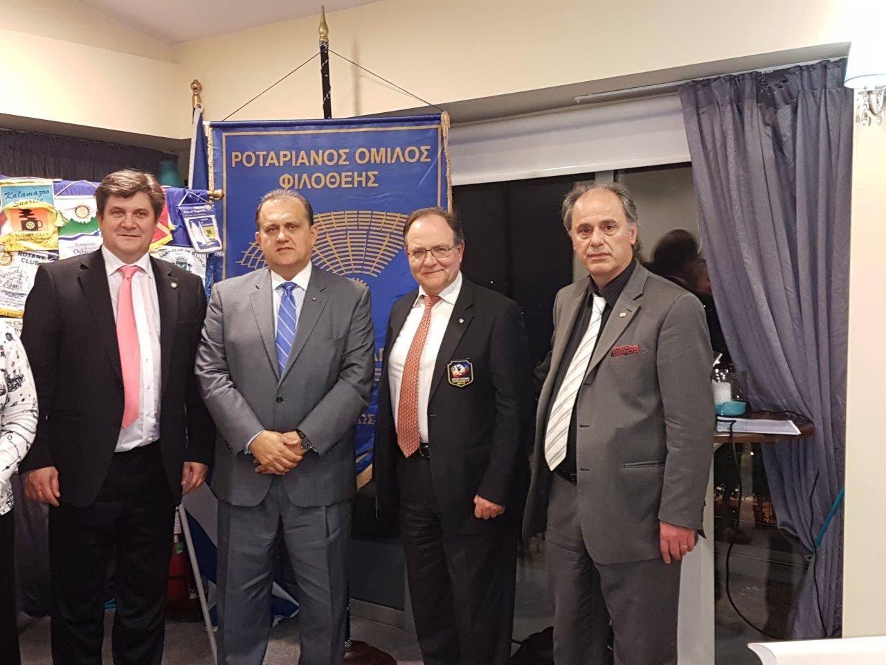 Nick Larigakis with Propeller Club President, George Xiridakis and President of the Marousi Chapter of the Rotary Club Internatinoal, Angelos Karmanliolas.