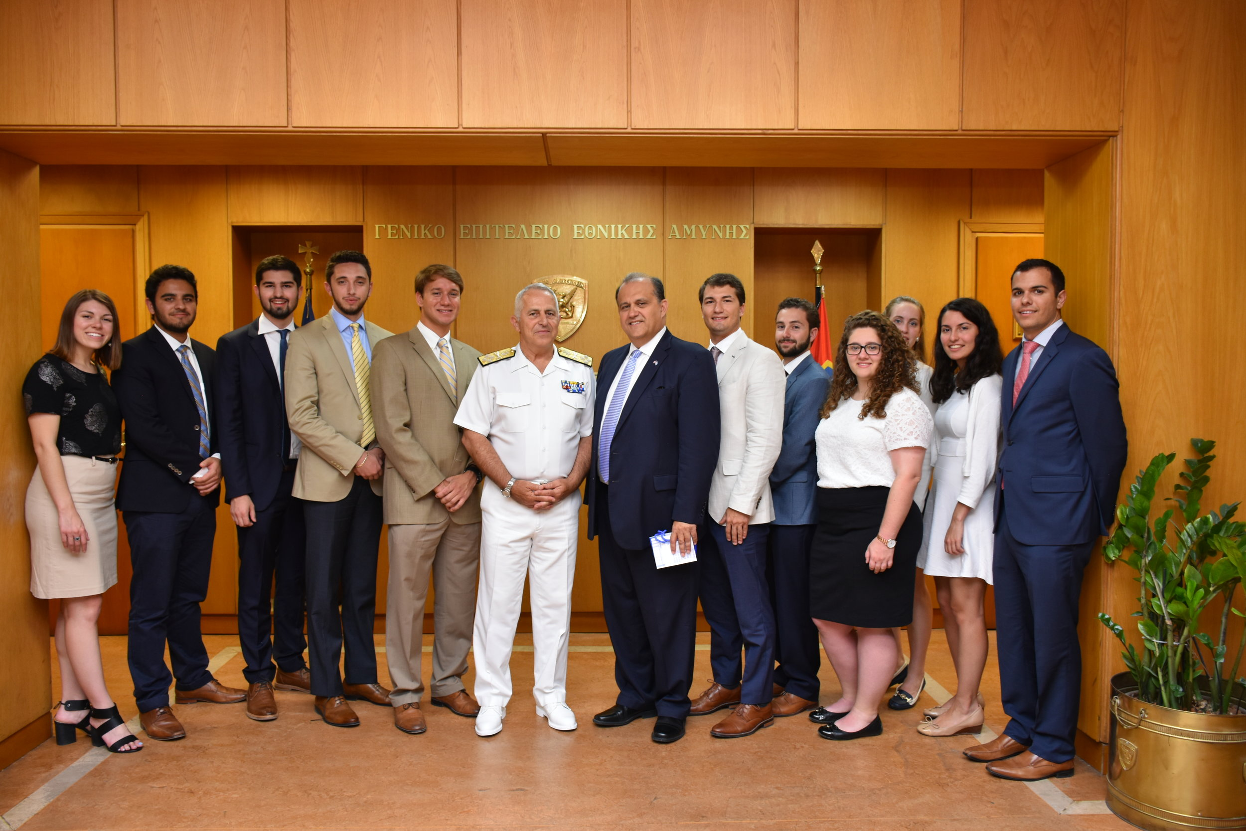 Admiral Evangelos Apostolakis, Chief of the Hellenic National Defense General Staff meets with students prior to his meeting with the Dutch Defense Minister.