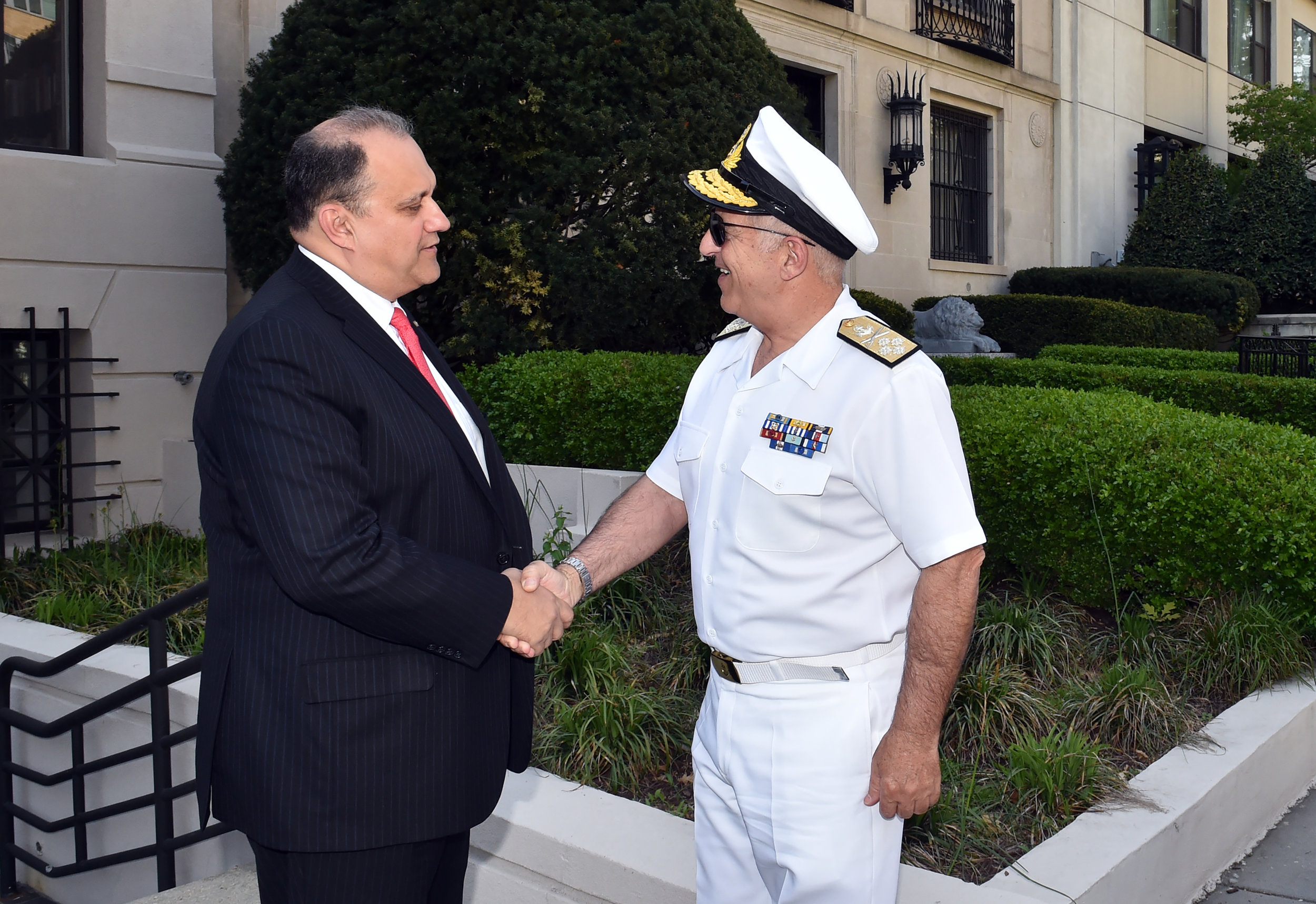 Nick Larigakis, President of AHI, welcoming Admiral Evangelos Apostolakis, Chief of the Hellenic Armed Forces General Staff, to Hellenic House.