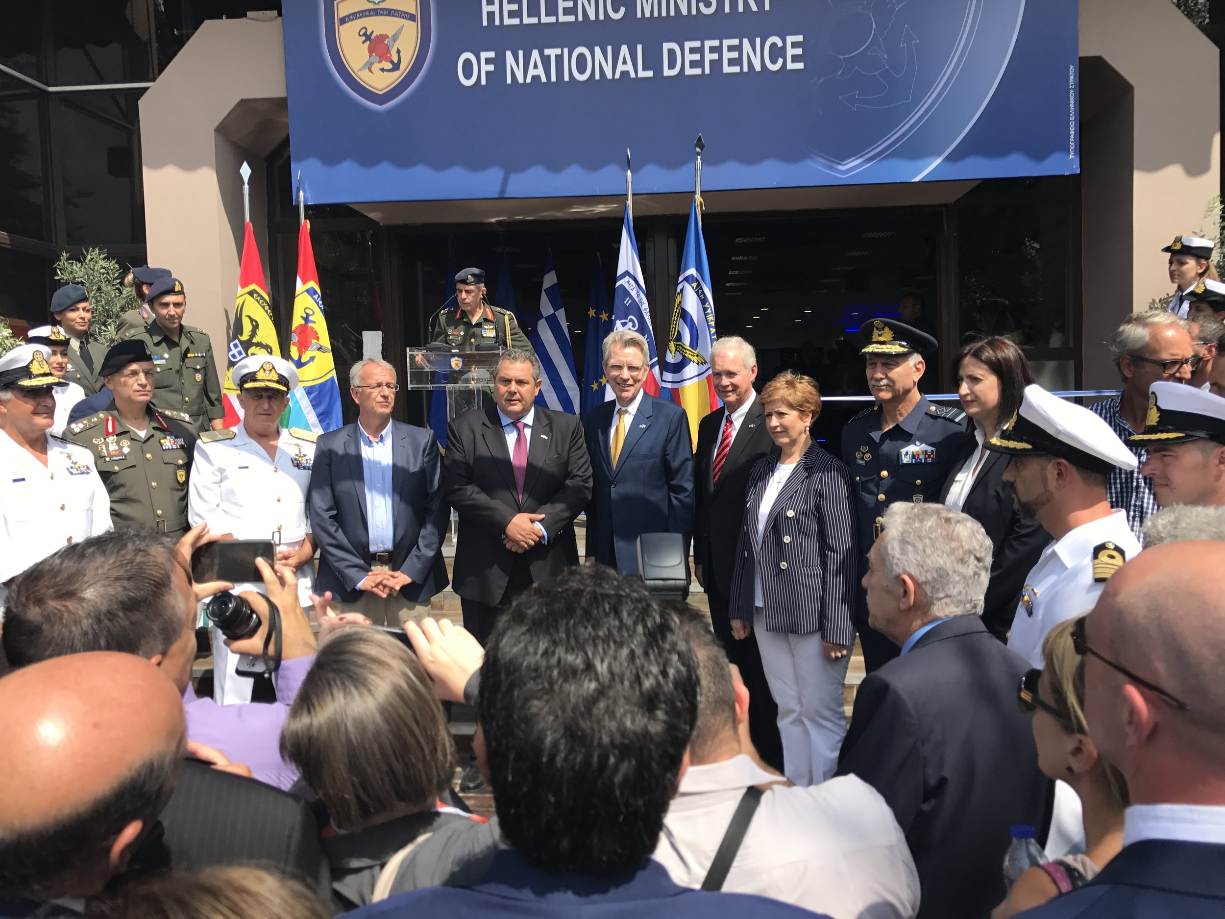 Greek Minister of Defense Panos Kammenos and US Ambassador to Greece Geoffrey Pyatt (center) surrounded by the Chiefs of the Hellenic Armed Forces at the inauguration of the Hellenic Armed Forces pavilion.