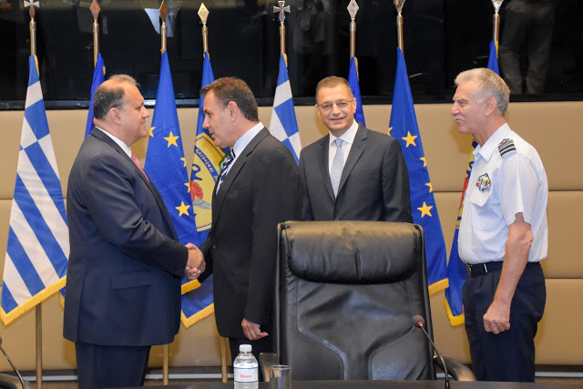 (L-R) AHI President Largakis, Minister of Defense of Nikos Panayiotopoulos, Deputy Minister of Defense Alkiviadis Stefanis, and General Christos Christodoulou, Chief, Hellenic National Defense General Staff.
