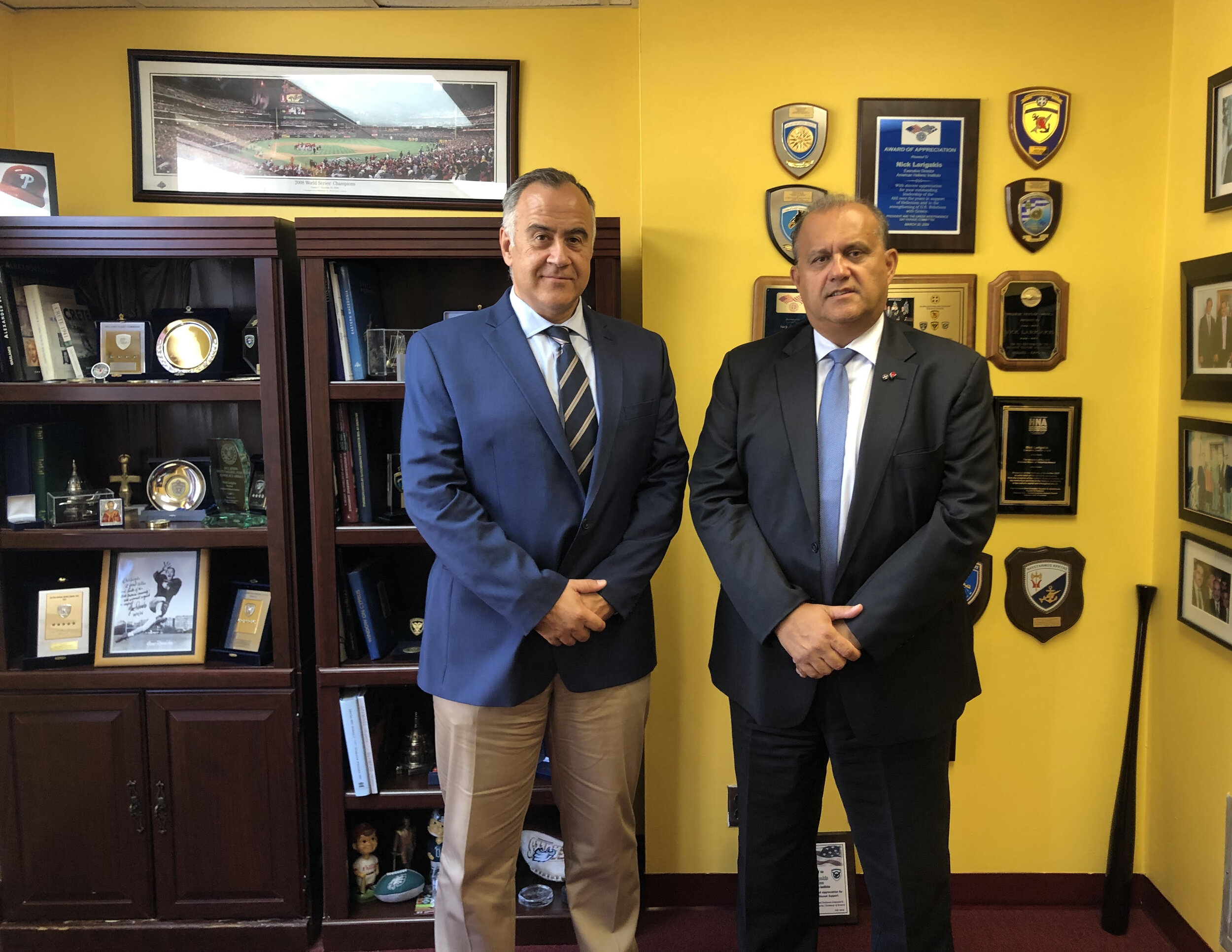(L-R) Col. Dimitris Bistis, the new Air attaché at the Embassy of Greece in Washington, D.C., and AHI President Larigakis