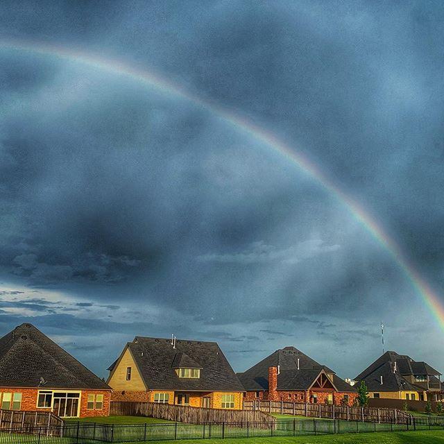 There was rain.....followed by a rainbow #letitrain #rainbow #godspromise  #urbandarmhouse
