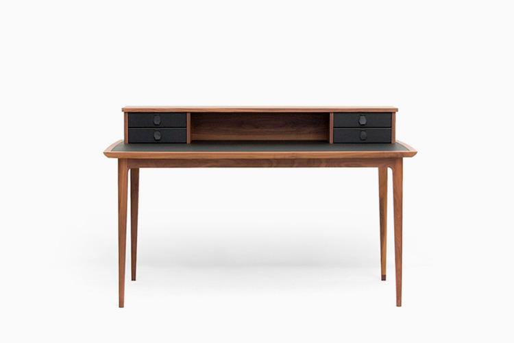Patrice | Desk