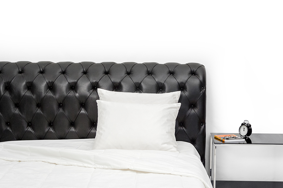 Chesterfield bed_front