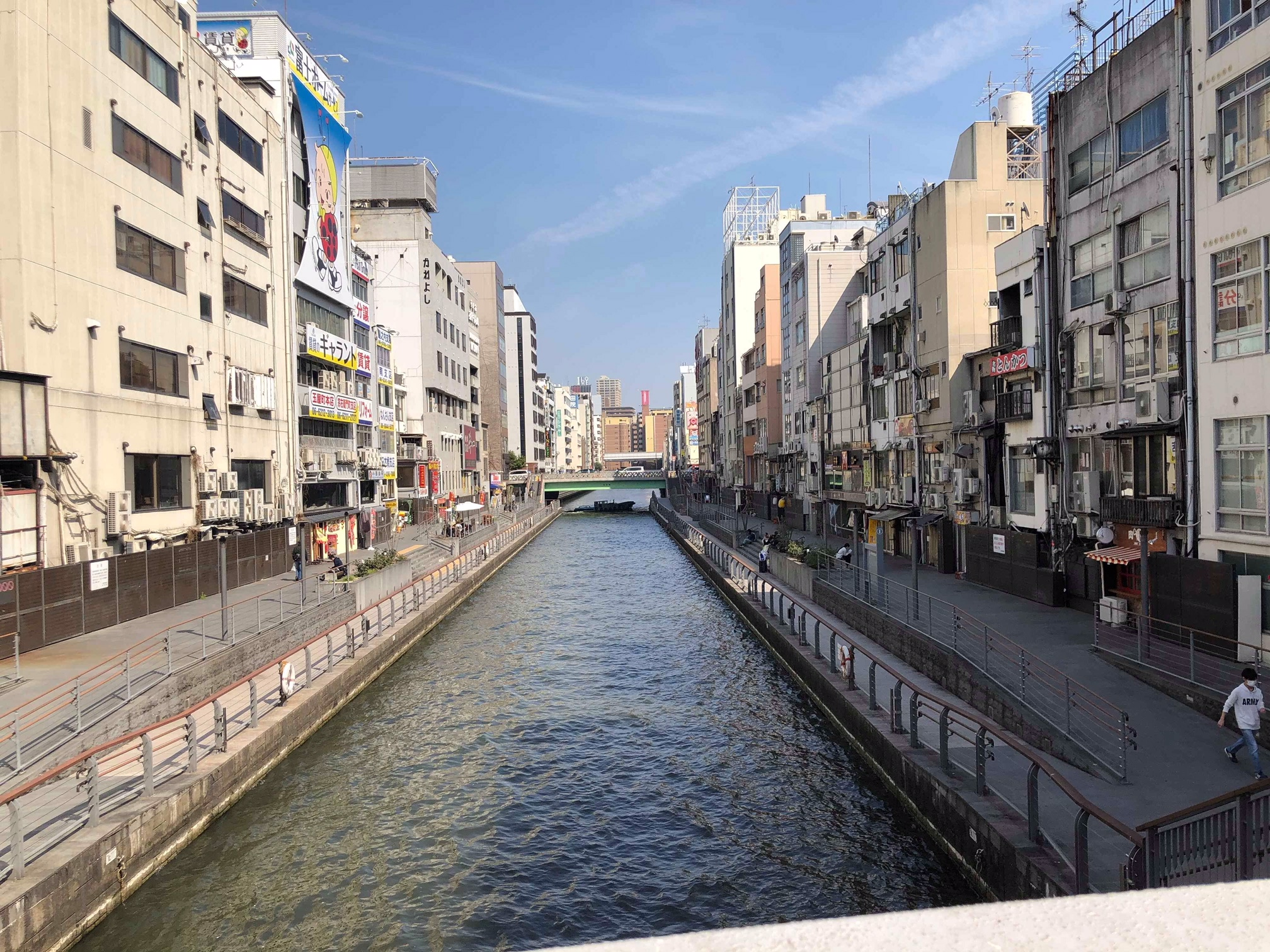 The Dotonbori area, abandoned in the day, comes to life in the evening.