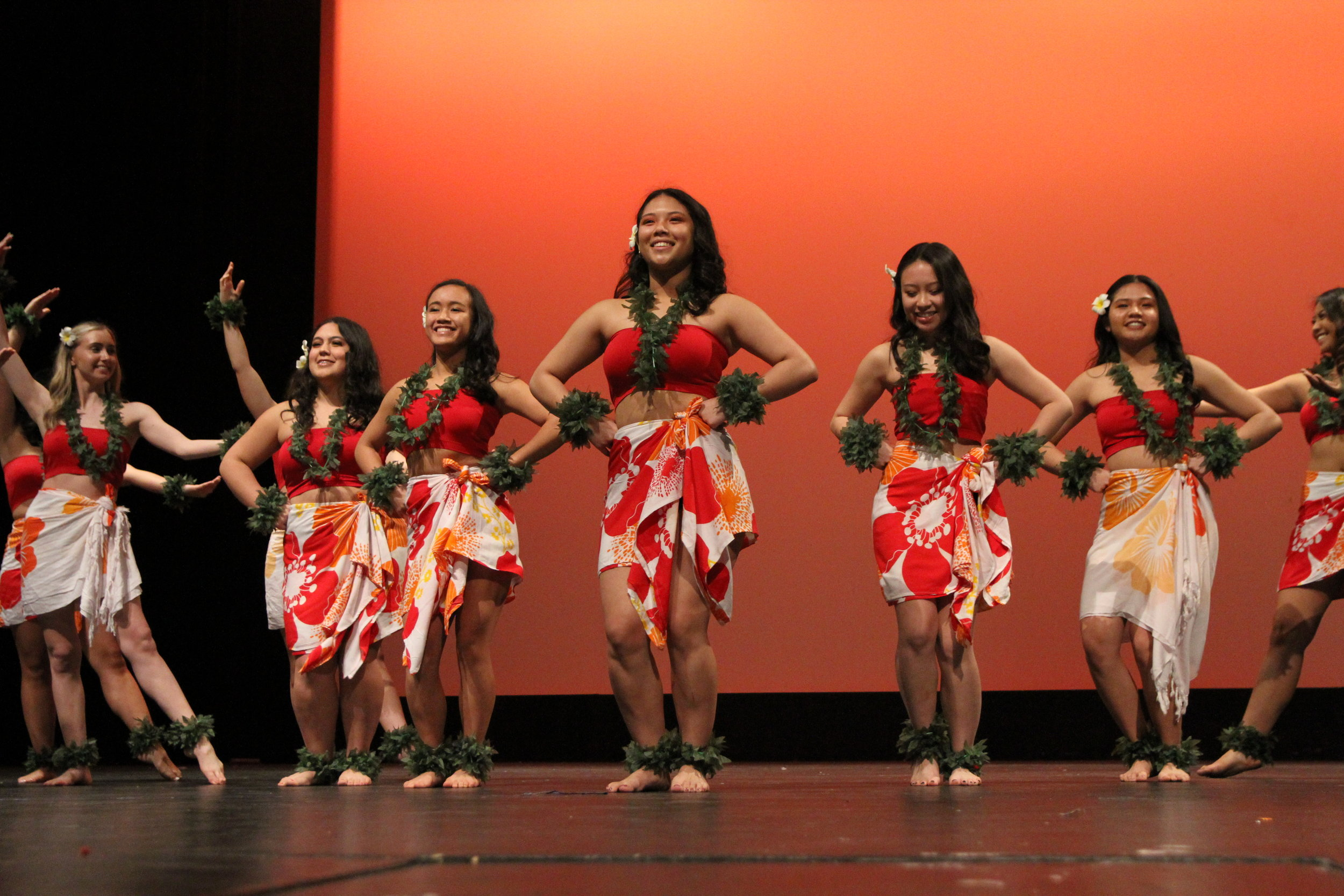 Not to overshadow the women, however, who come out to move their hips in traditional Hawaiian skirts