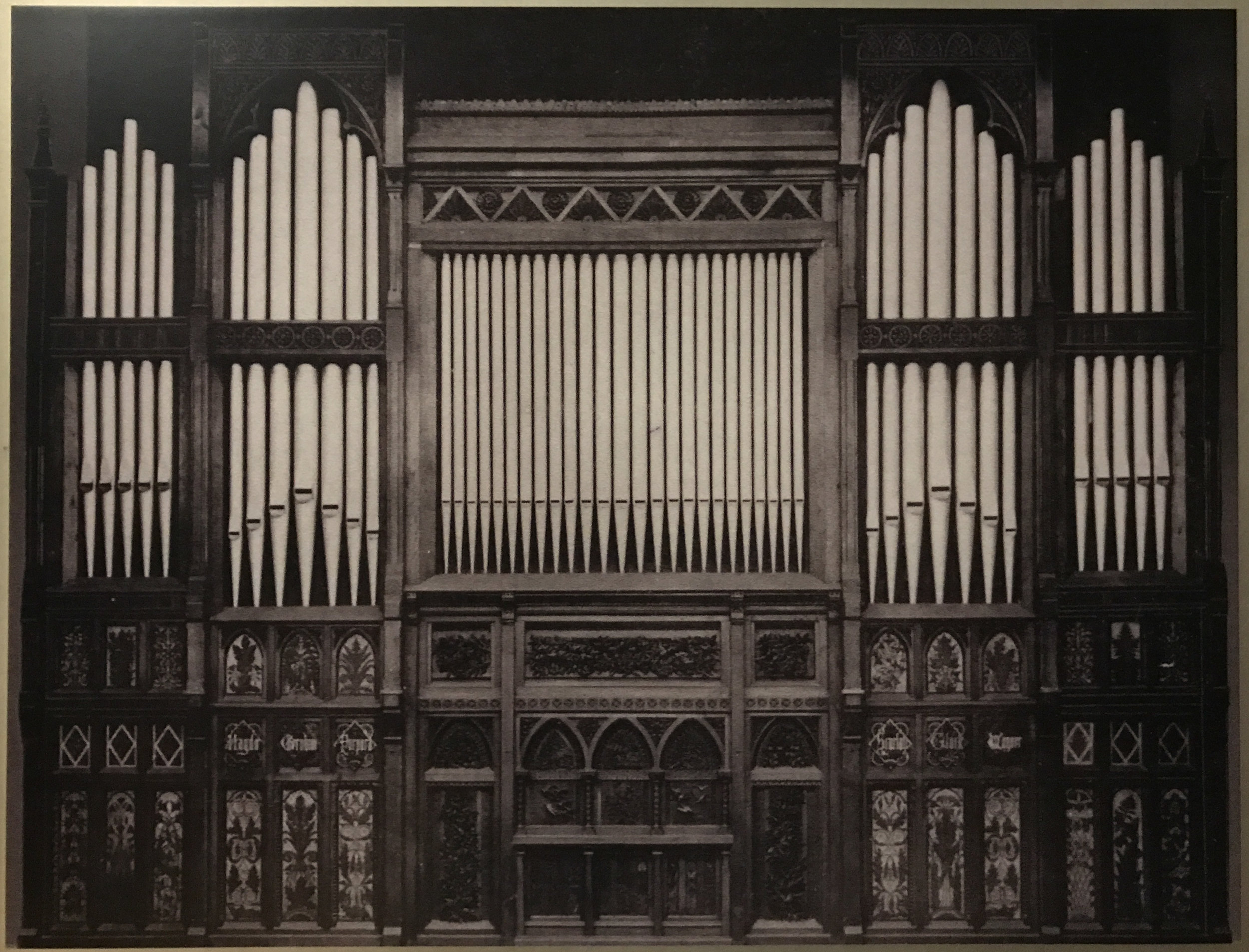 Original image of organ screen