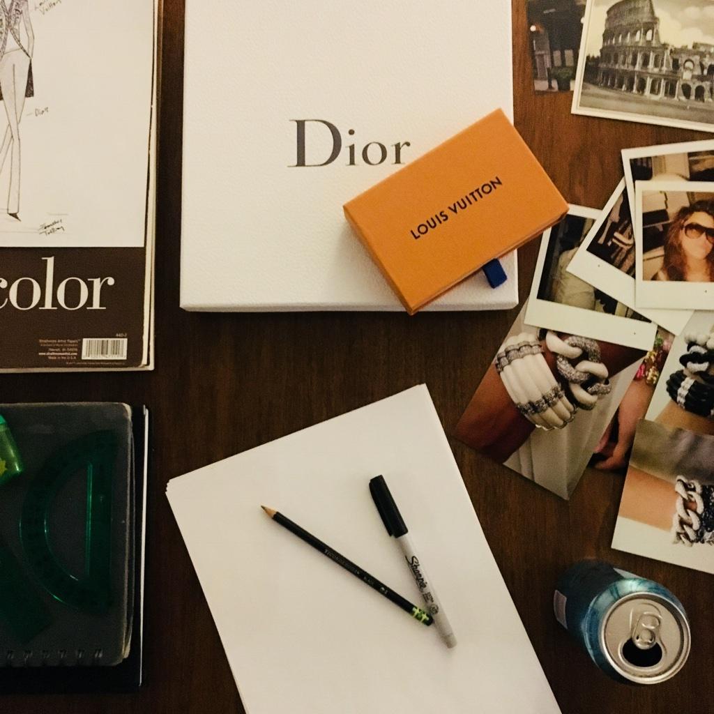 Photo_Desk_Dior.jpg