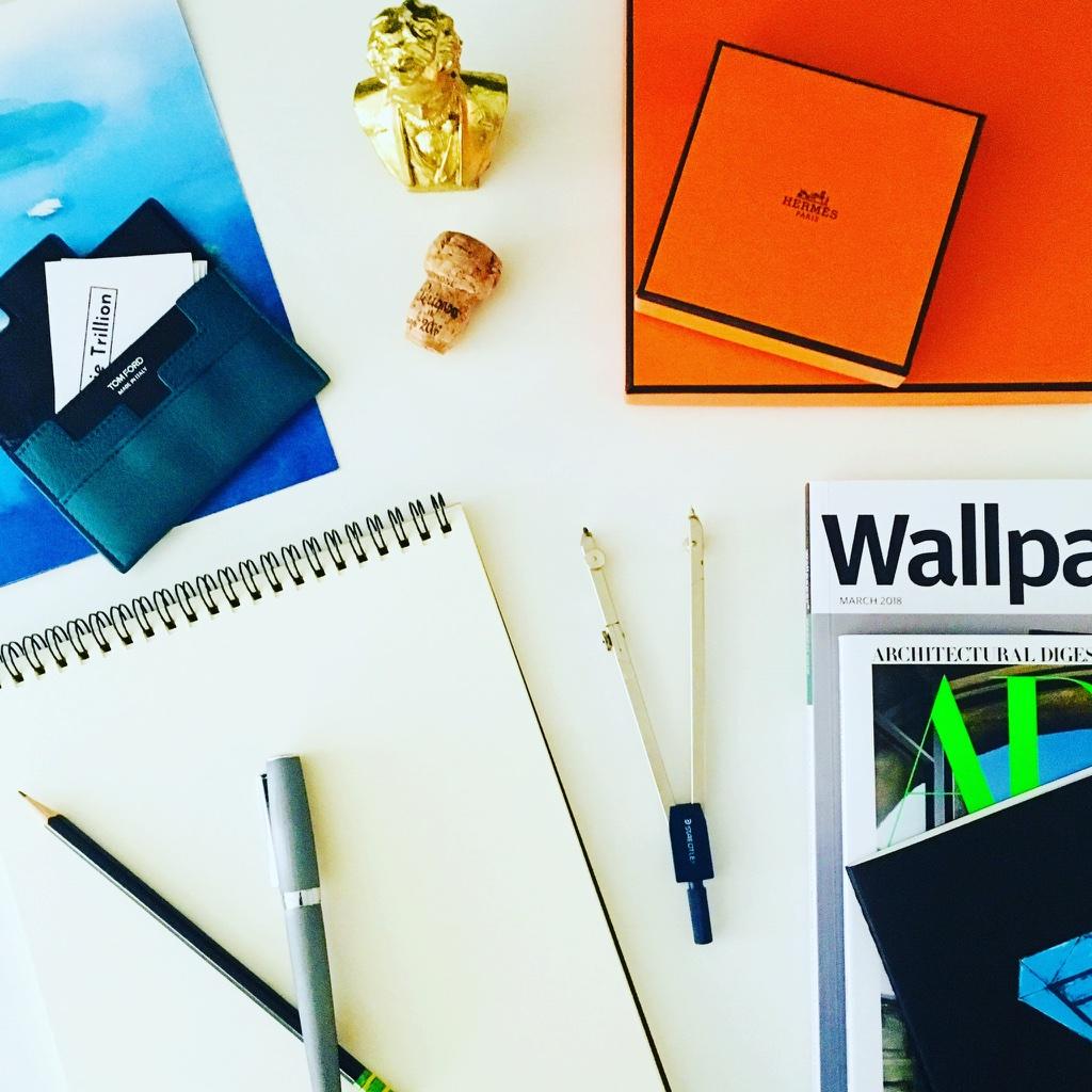 Photo_Desk_Wallpaper.jpg