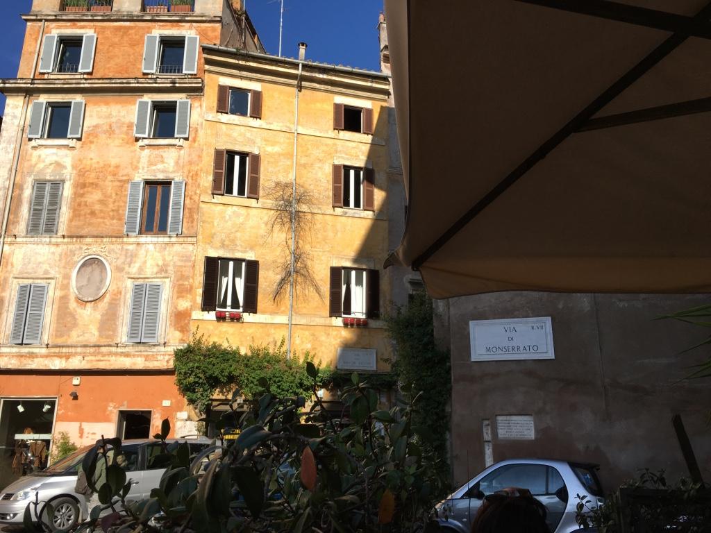 Photo_Rome_Piazza.jpg