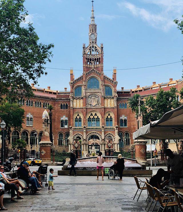 Too bad the buildings here are so ugly. . . . . . #FrenchieTrillion #Barcelona #Catalunya #DoménechiMutaner #Gaudí #HospitalSantPau #SagradaFamilia #LaPedrera #CasaMila #Architecture #IconicModernism #Travel #GayTravel #JetSet