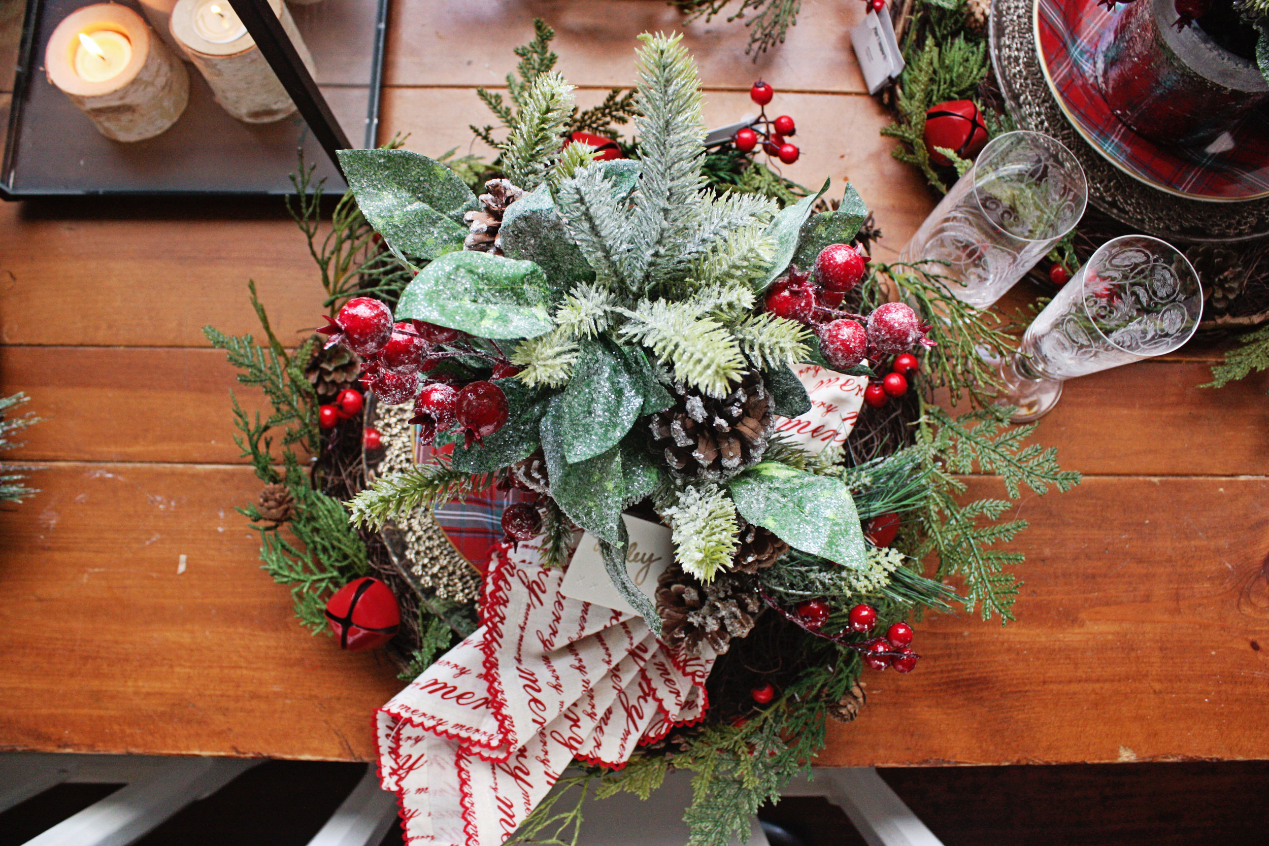 Simply Sisters Co Christmas Tablescape
