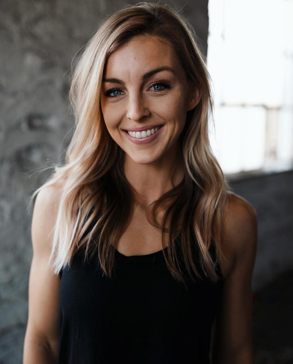 Amanda Wilson on Simply Sisters Co