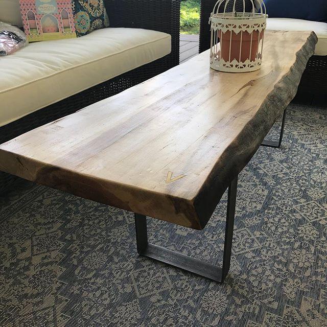 Vez coffee table ❤️ . . . . . #liveedgetable #liveedge #liveedgewood #liveedgefurniture #liveedgeslab #liveedgeslabs #liverdgedesign #furniture #furnituredesign #furnitures #woodwork #woodworking #woodworkingshop #woodworkingcommunity #woodworkingskills #woodworkingproject #woodslab #woodslabs #woodslabtable #woodporn #wooddesign #woodart #woodisgood