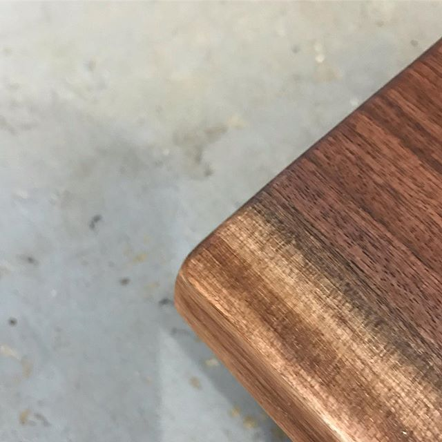 Simplicity. Clean. Wireless charging? Stay tuned! . . . #technology #wireless #wirelesscharging #wirelesscharger #modern #liveedgetable #liveedge #liveedgewood #liveedgefurniture #liveedgeslab #liveedgeslabs #liverdgedesign #furniture #furnituredesign #furnitures #woodwork #woodworking #woodworkingshop #woodworkingcommunity #woodworkingskills #woodworkingproject #woodslab #woodslabs #woodslabtable #woodporn #wooddesign #woodart #woodisgood