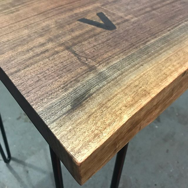 Black walnut two tiered desk with wireless charging. We tested our usual brass V insert branding and it seemed to be creating an issue with the electromagnetic field. So we went with a simple brand iron to mark the charging location. Thoughts? . . . #liveedgetable #liveedge #wirelesscharging #liveedgewood #liveedgefurniture #liveedgeslab #liveedgeslabs #liverdgedesign #furniture #furnituredesign #furnitures #woodwork #woodworking #woodworkingshop #woodworkingcommunity #woodworkingskills #woodworkingproject #woodslab #woodslabs #woodslabtable #woodporn #wooddesign #woodart #woodisgood