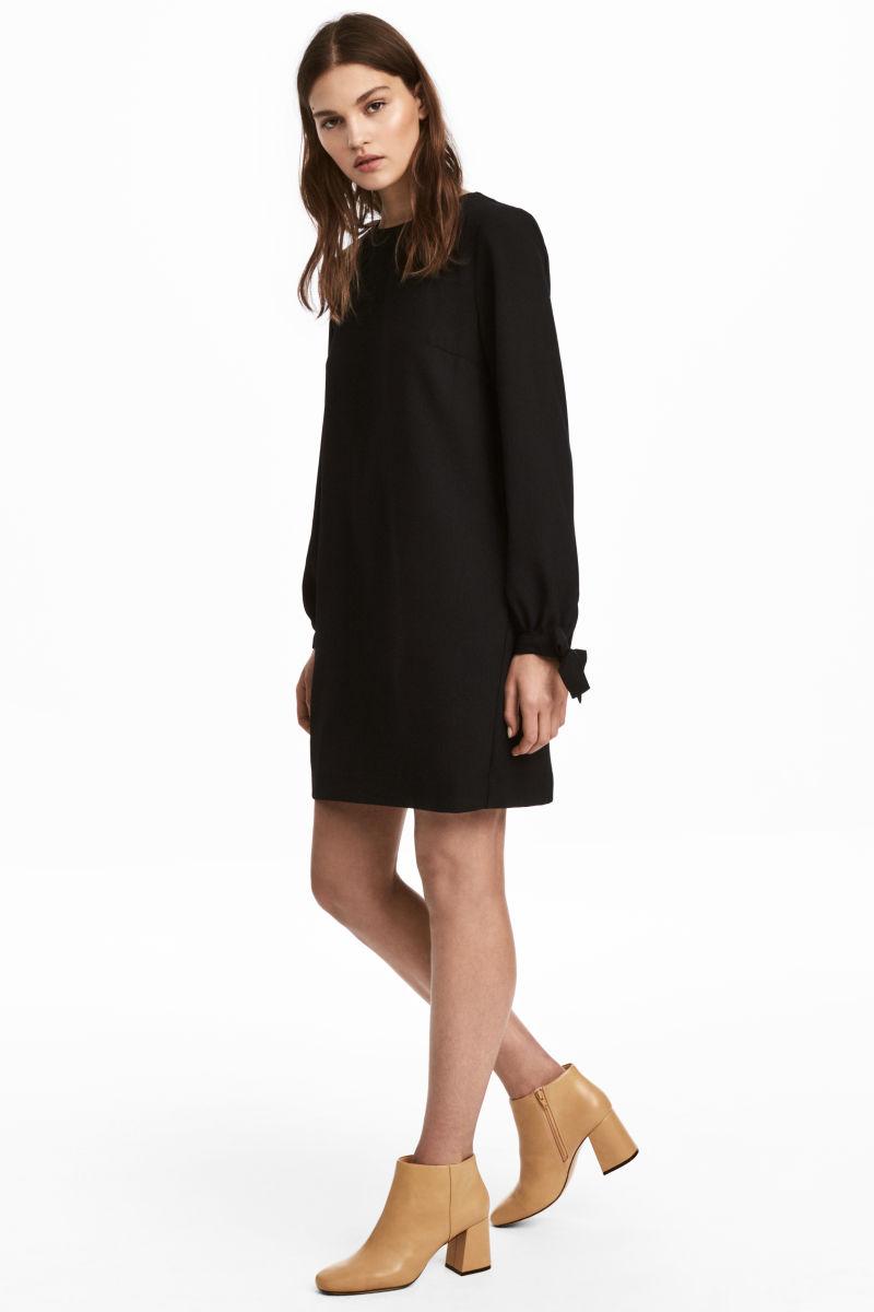 hm black dress.jpeg