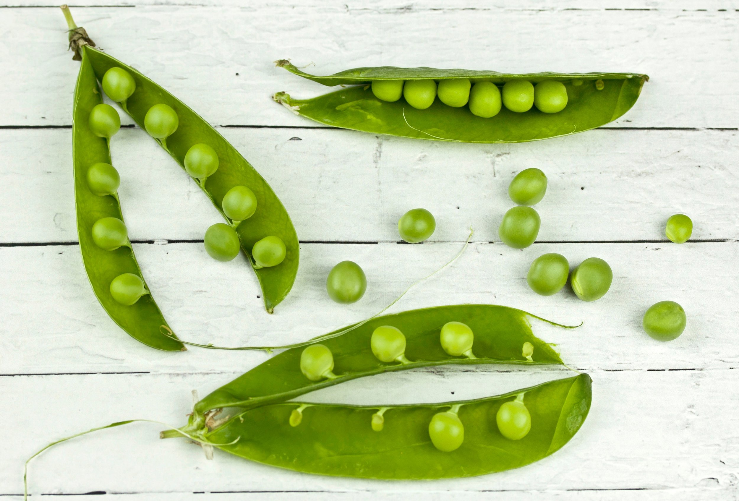Freshly shelled peas have such a satisfying crunch. Cook them with butter and mint, and serve them up as the crisp side dish to your favorite hearty meal.