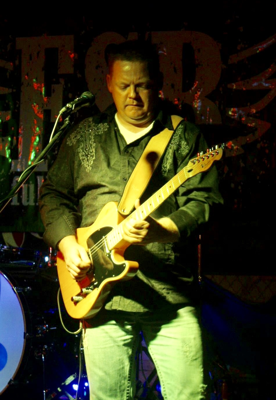 "David Grubb - BUS DRIVER / ASSISTANT TO DAVE MASONArkansas native David Grubb comes from a musical family. His interest in playing music started at the age of 14, inspired by Stevie Ray Vaughn's amazing guitar work. He started studying music, playing guitar and drums. Later, Grubb formed a band with three of his friends that is impressively still together today - more than 15 years later.Grubb's career in the transportation and music industry has taken him all over North America. He started in the transportation business at the age of 18 and has worked in many aspects of transportation from DOT regulations, route scheduling, customer relations and overseeing safety operations for some of the nation's largest transport companies. At age 32, he began operating his own trucking company and was a contractor for the FedEx Corporation for 10 years. After many years of looking to further his career in the music industry, he sold his trucking company and moved to Nashville.Now, you'll find Grubb behind the wheel of the tour bus or behind the merch table.When asked what it's like traveling the country with the Dave Mason Band, Grubb replies, ""It's like being on a working vacation with your family. Everyone makes sure everyone is taken care of."