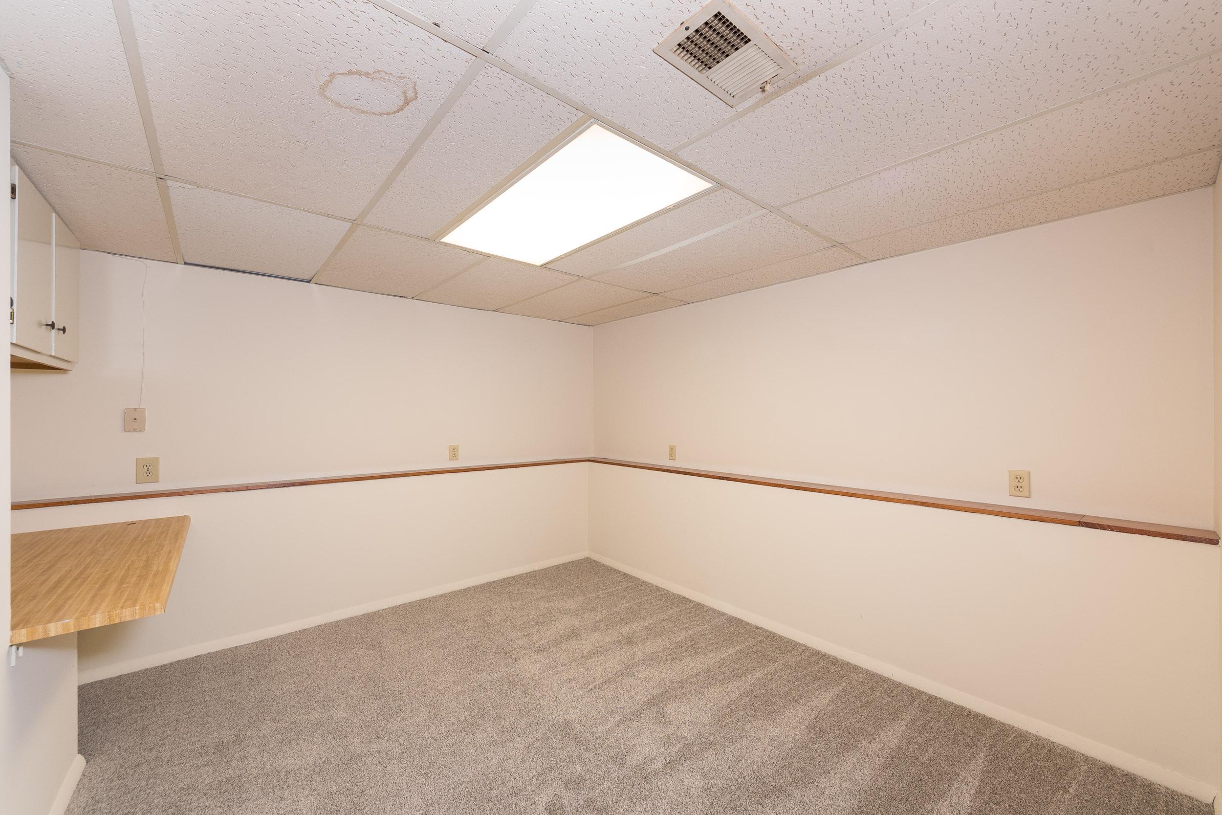 7921 Albritton Office 1