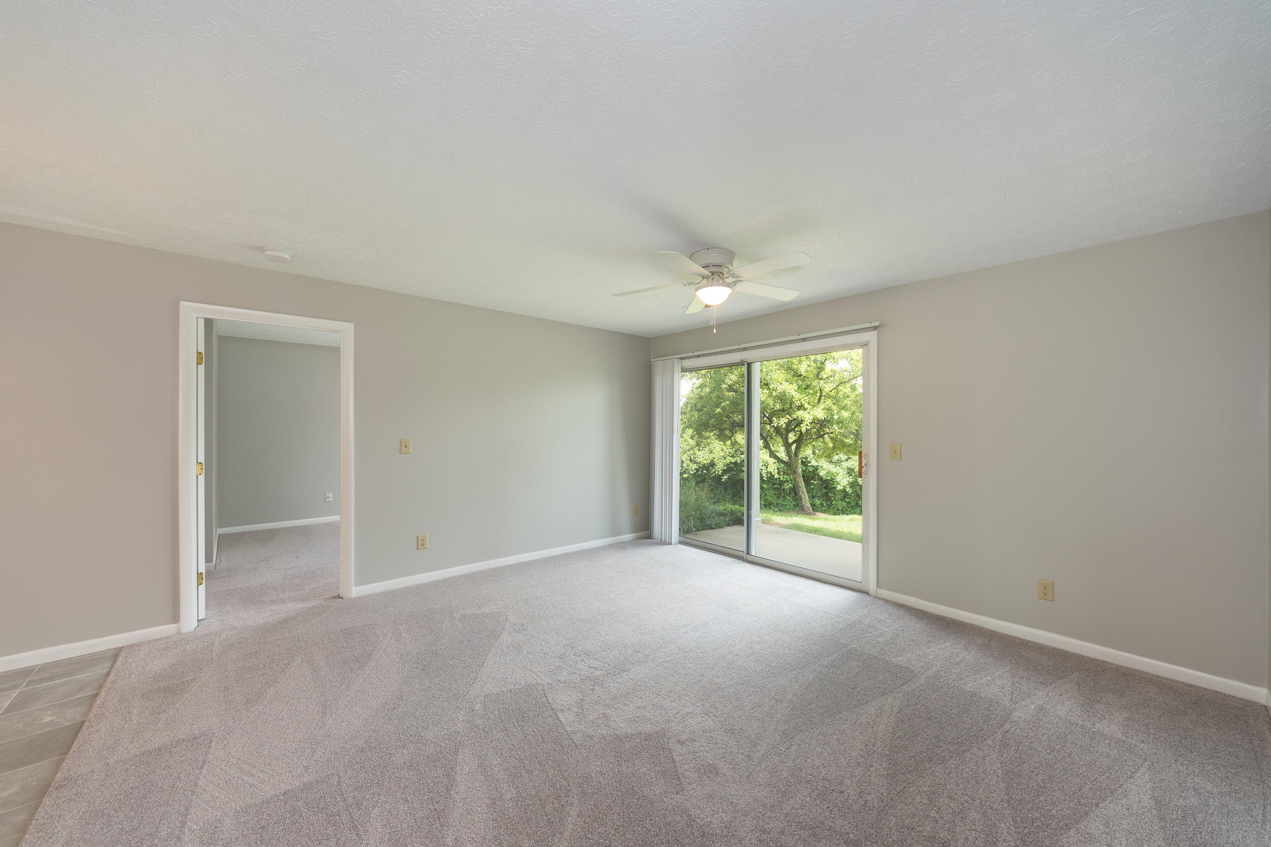 8846 Eagleview Interior (4).jpg
