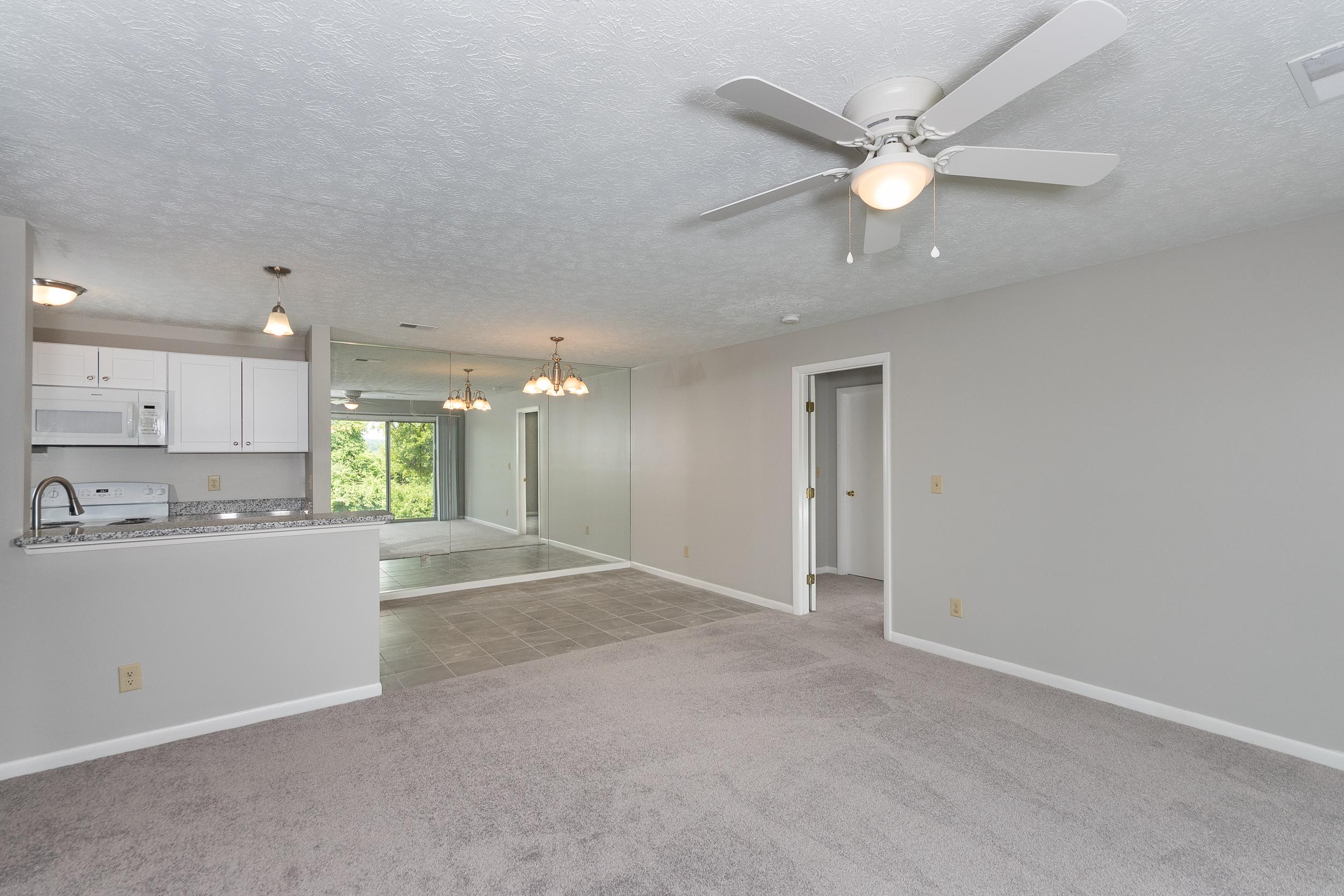 8846 Eagleview Interior (6).jpg