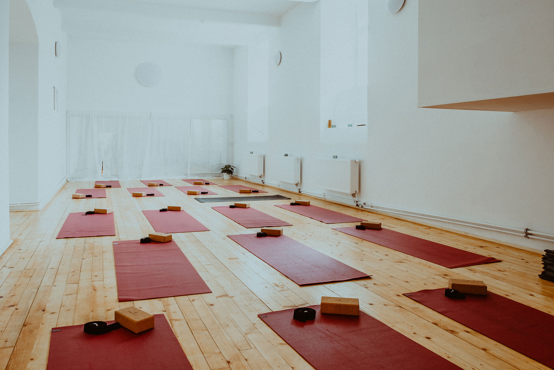 Prague_Yoga_Studio_Shala_2.jpg