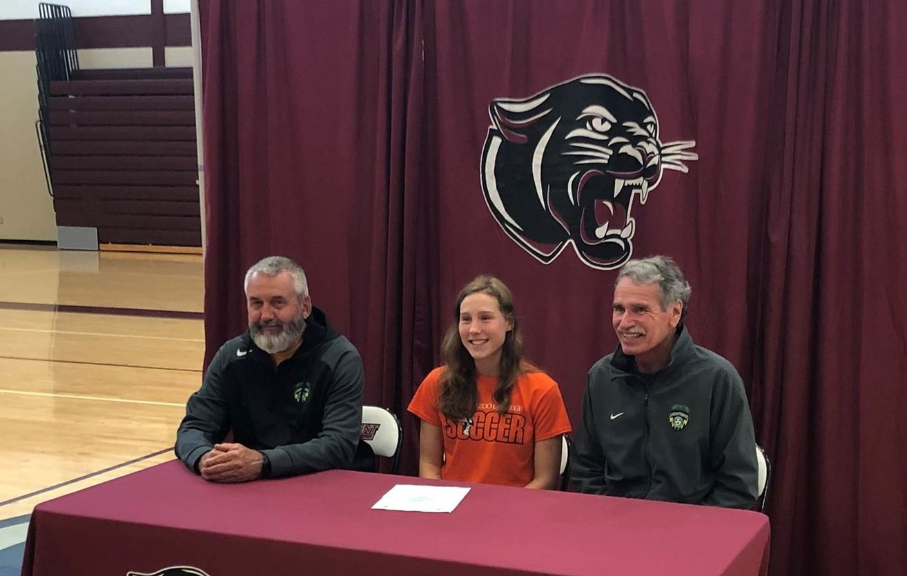Alexis Nesbitt, PSC 00 Green Girls Team, signing ceremony for Kalamazoo College