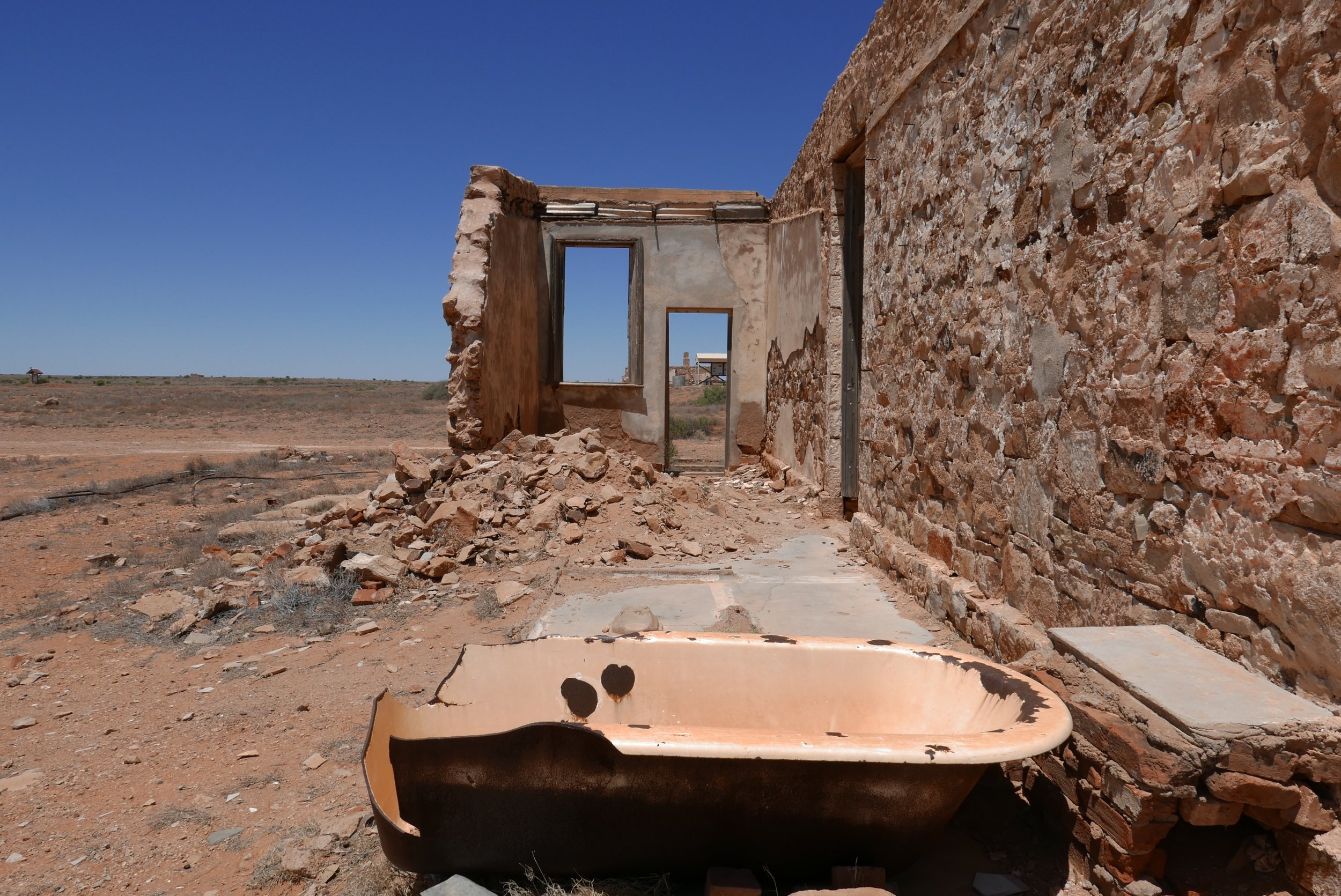 Signs of a former life. What a luxury this bath must been back in those days. A room that was once a private space is now fully exposed and forms an interesting architectural juxtaposition in this desert landscape.