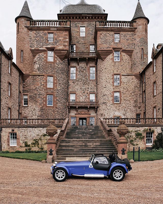 #ad Today's adventure included exploring hidden gems with Mr Enthusiast 🕵🏻‍♂️ and Katie 🚙 at the Scottish Borders 🏰 A member of the Big Houses group in the Scottish Borders, @thirlestanecastle is one if the oldest and finest inhabited castles in Scotland. We were blown away by the rich history of the building and felt extremely honoured to be given a private tour by Edward, a member of the historic Maitland family. ~ The castle is open to visitors from Sunday to Thursday until the end of September and also boasts a cute tea room with delicious cakes and drinks 🍰☕️ The castle's latest venture is to offer luxury accommodation for groups or individuals that want to experience the atmosphere of the historic walls. ~ If you are a fellow petrolhead, don't miss the @bvacclassic car show on 2 June 🚙🚗