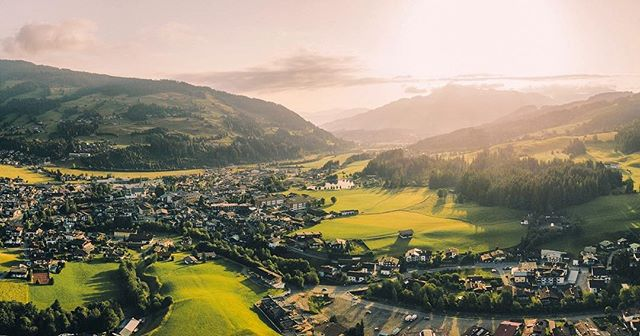 Sunrise in the hills of Tirol, Austria. This week I finally received my official drone license! This means that from now on I can commercially fly drones in the Netherlands legally ;) We don't have landscapes like this, but still I can't wait to get this new chapter started 🚁 .⠀ .⠀ .⠀ .⠀ .⠀ .⠀ .⠀ .⠀ .⠀ #djimavicpro #dronephotography #dronepointofview #dronestagram #fromwhereidrone #visittirol #visitaustria #kufsteinerland #austrianalps #passionpassport #dronegear #dronegram #theweekoninstagram #beautifuldestinations #earth #artofvisuals #visualsofearth #folkscenery #stayandwander #earthoutdoors #travelphotography #visualscollective #earthpix #lifeofadventure #pathfinders #agameoftones #natgeotraveler #wildernessnation #lonelyplanet #fantastic_earth