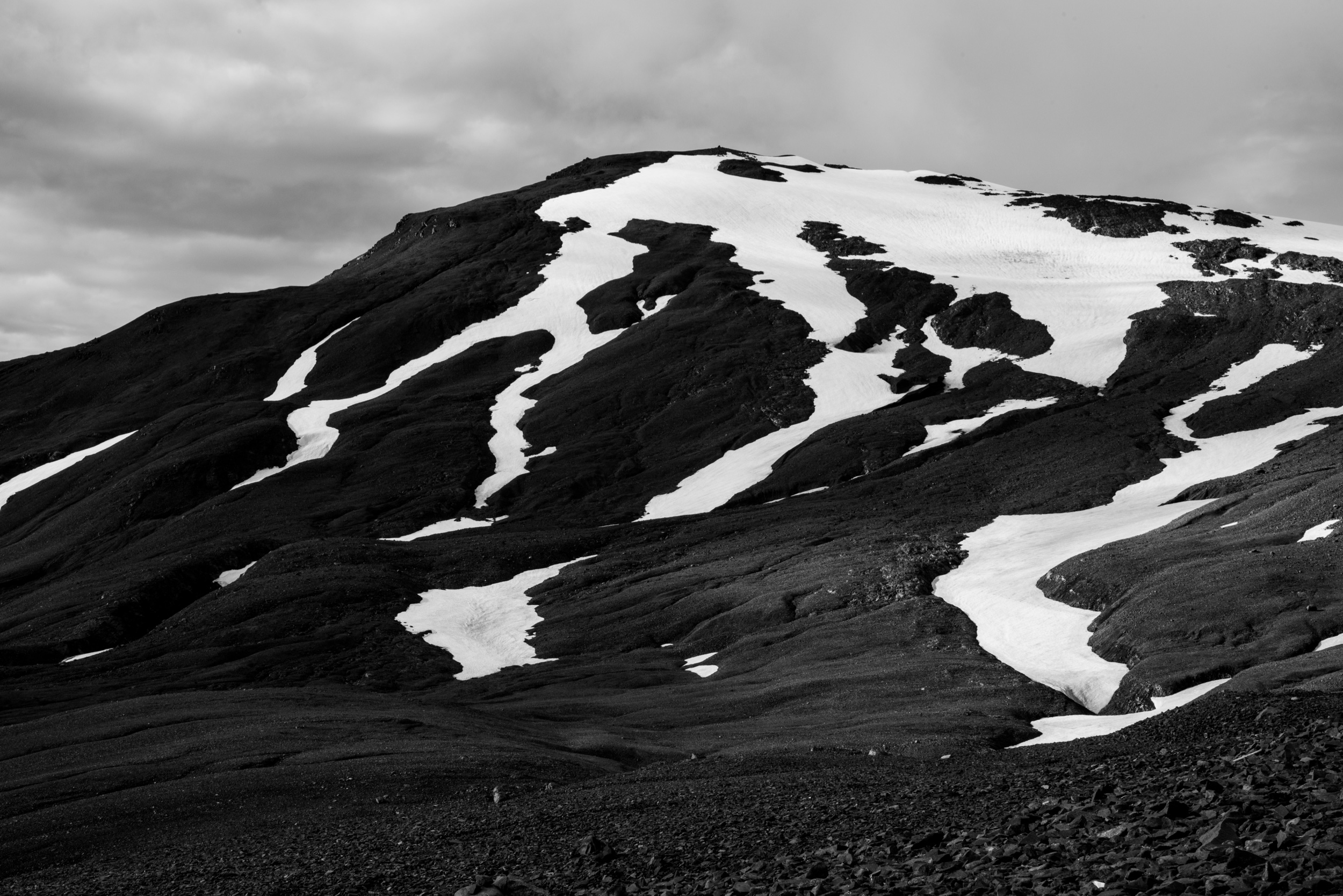 B&W Iceland Mountain