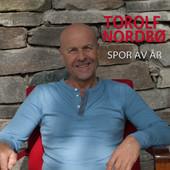 Torolf Nordbø Spor av år (2013): duett på sangen «Den største i den minste».