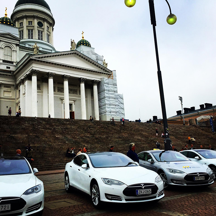 Fresh off the boat – a long layover in Helsinki, where I sat on the steps of a church and fed pigeons in front of a Tesla Motors exhibition. Helsinki, September 2015