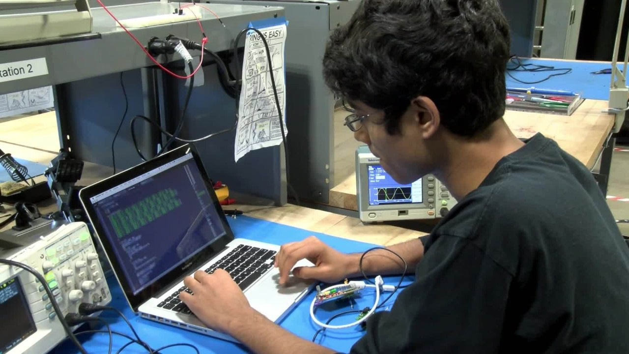 Mukund building his device from scratch