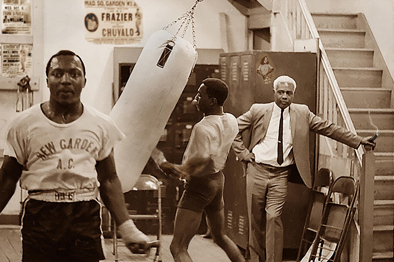 SID OBSERVING BOXER, KINGSWAY GYM '65